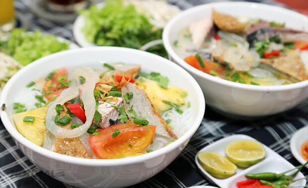 Món bún sứa Nha Trang