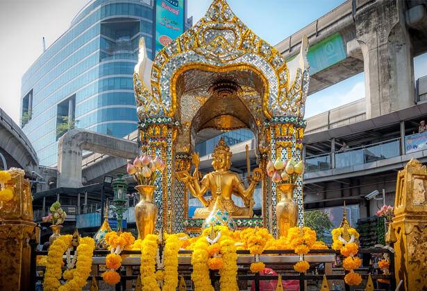 Tượng Phật bốn mặt